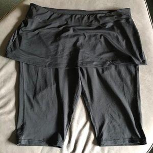 Capri leggings with skirt- Active Wear